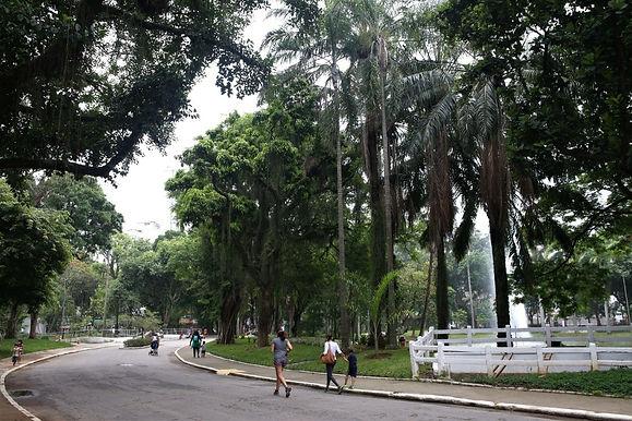 Frente fria muda o tempo em Niterói, e fim de semana será de chuva