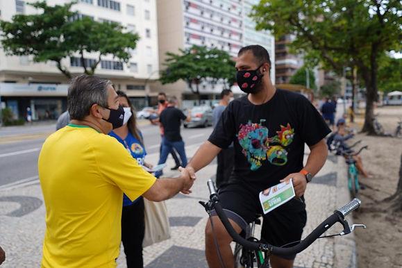 Candidatos priorizam corpo a corpo com eleitores de Niterói