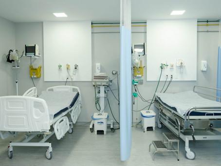 Covid: ocupação de leitos clínicos privados cai pela metade em uma semana