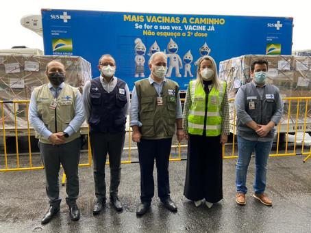 Vacina da Janssen chega ao Brasil, mas deve ser enviada primeiro às capitais