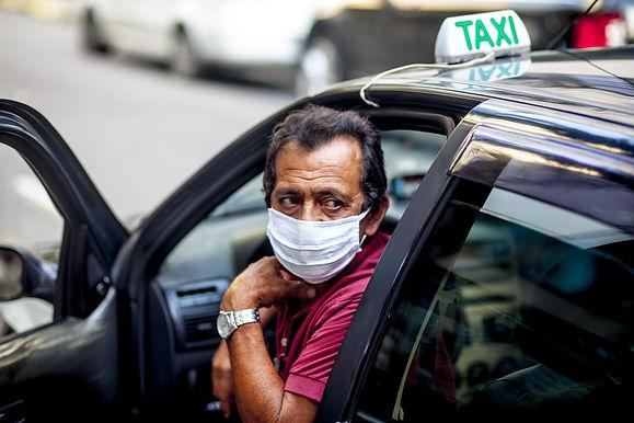 """Vai demorar para a cidade se recuperar desse golpe"", diz taxista"