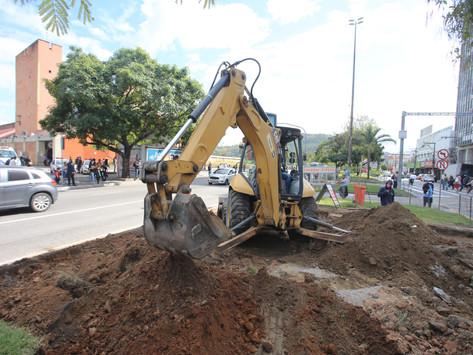 Prefeitura muda faixa de pedestres para reduzir trânsito na Rua São João