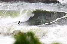 Ondas incríveis marcam a reta final da janela do Itacoatiara Big Wave