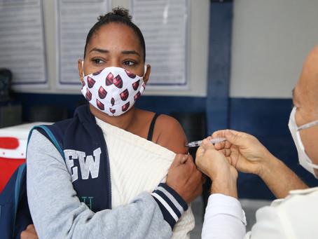 Niterói tem mais de 100 mil vacinados com a segunda dose, 20% da população