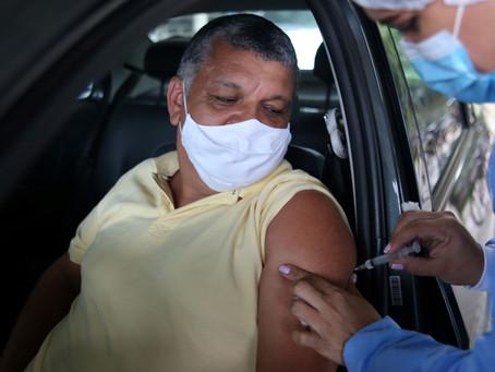 Niterói anuncia 3ª dose para idosos acima dos 60 e profissionais de Saúde
