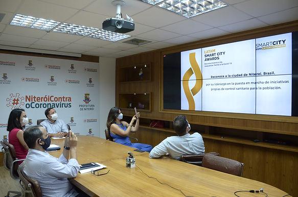 """Evento de """"cidades inteligentes"""" reconhece ação de Niterói contra Covid"""