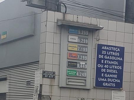 Encher o tanque com gasolina em Niterói ficou R$ 60 mais caro em três meses