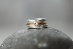 Silberringe mit Brillanten, Rosegoldring (Mittelgolgd) mit Brillant