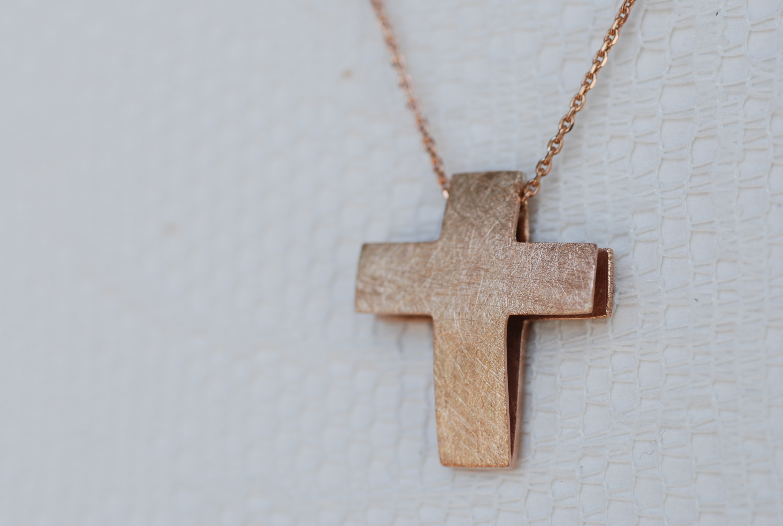 Kette mit Kreuz rotvergoldet