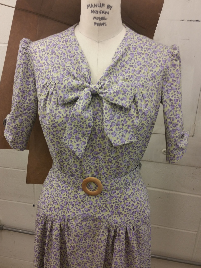 1930s day dress with belt