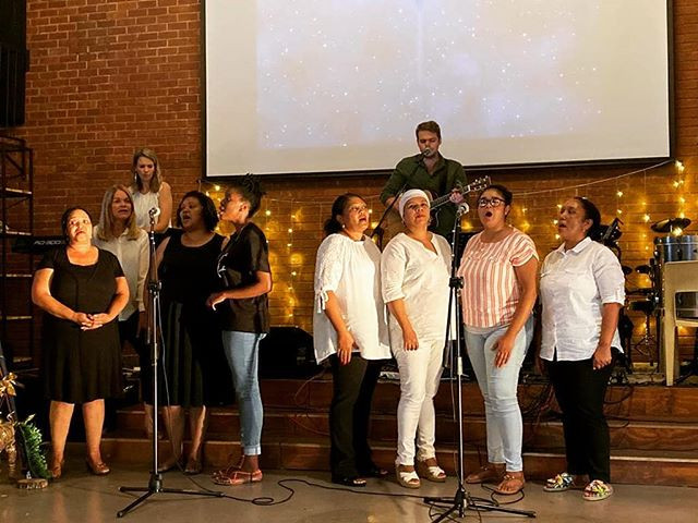 🎶Our Beautiful Christmas Choir; Ellen o