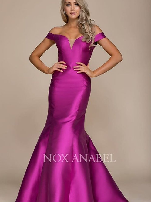 Nox Anabel Mermaid Gown Size Small, Medium