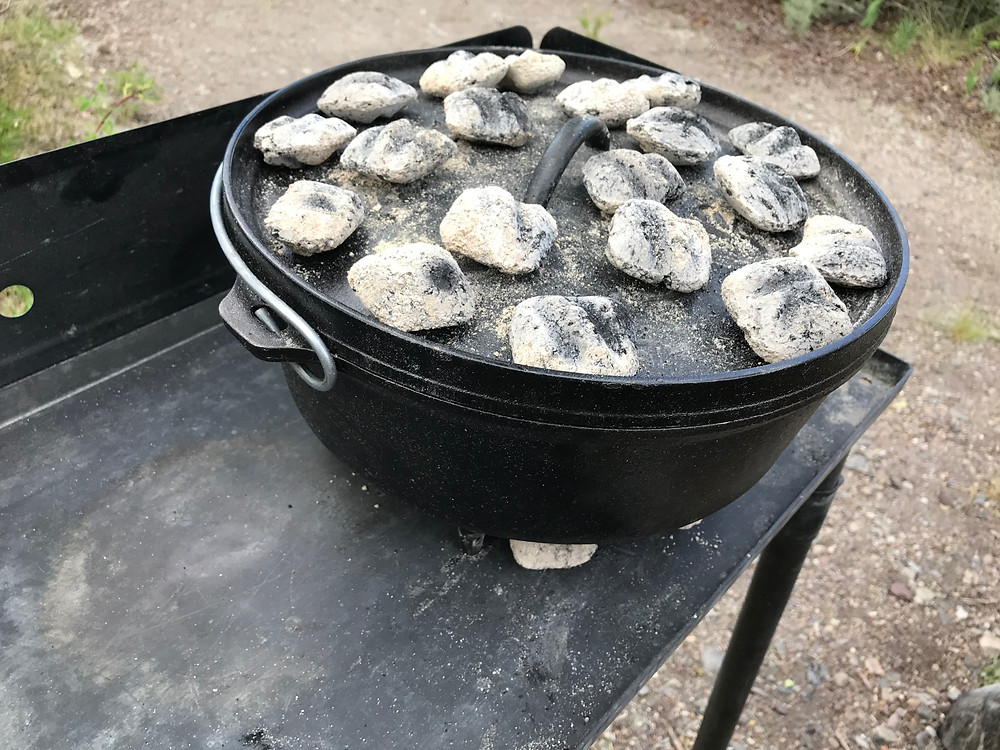 Lodge camping dutch oven