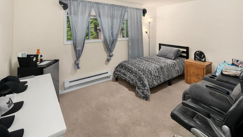 web_12-bedroom-1jpg