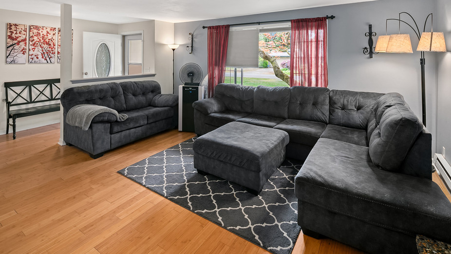 web_02-living-room-and-entryjpg