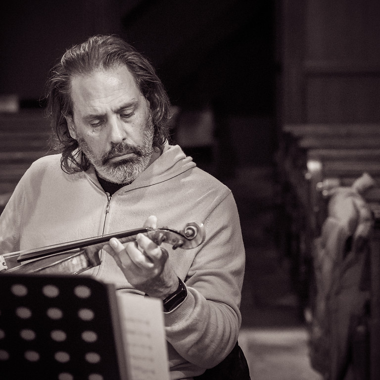 A concert at Monsieur Zimmermann's café / Milan