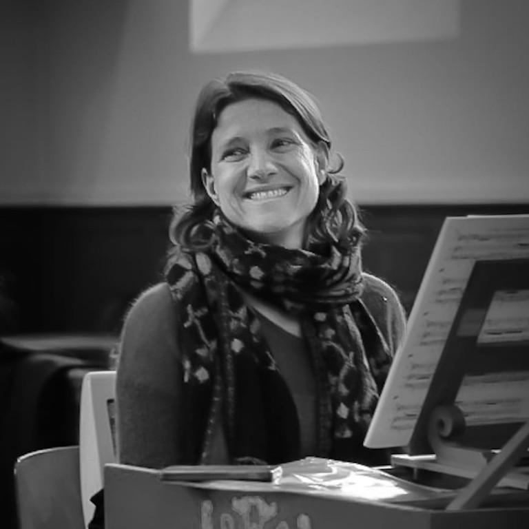 A concert at Monsieur Zimmermann's Café / Durance Luberon Festival