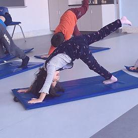 yoga primaire.jpg