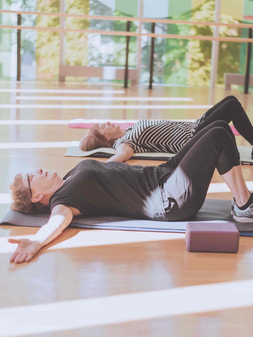 Yoga 60+ 25.jpg