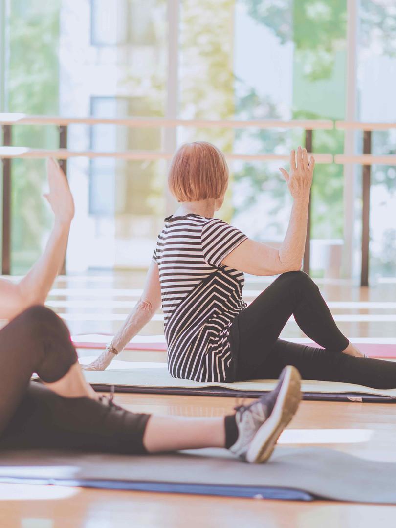 Yoga 60+ 36.jpg