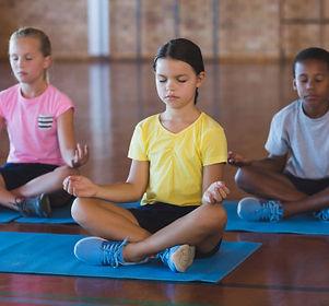 Yogi Urbain | Les bienfaits de la méditation sur l'apprentissage des écoliers.
