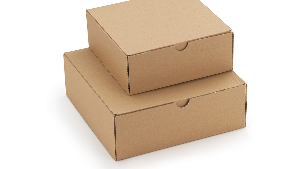 """Coffret carton """"Le moyen""""  23 x 23 x 8 cm (Pas adapté aux bouteilles)"""