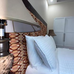 Executive Queen Bed
