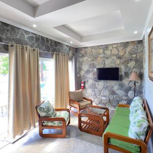 Executive Single room living