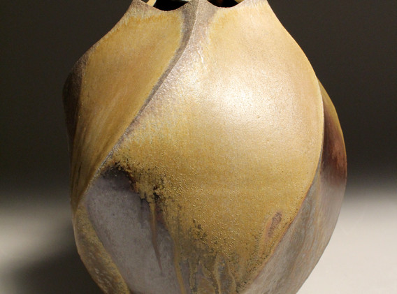 big swirl vase.jpg