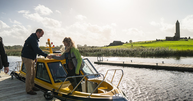 37371_Erne Water Taxi - Embrace a Giant
