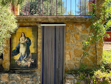 Een betegelde heilige maagd Maria in ere herstellen