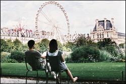 Amoureux au Jardin des tuileries