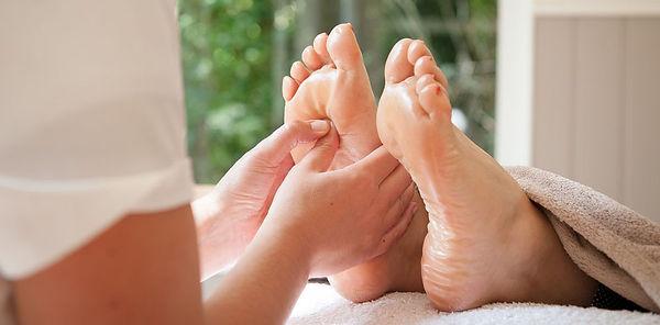 reflexoloy feet.jpg