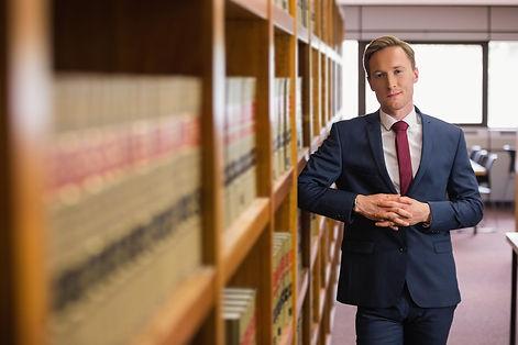 עורך דין משפחה או מגשר מוסמך
