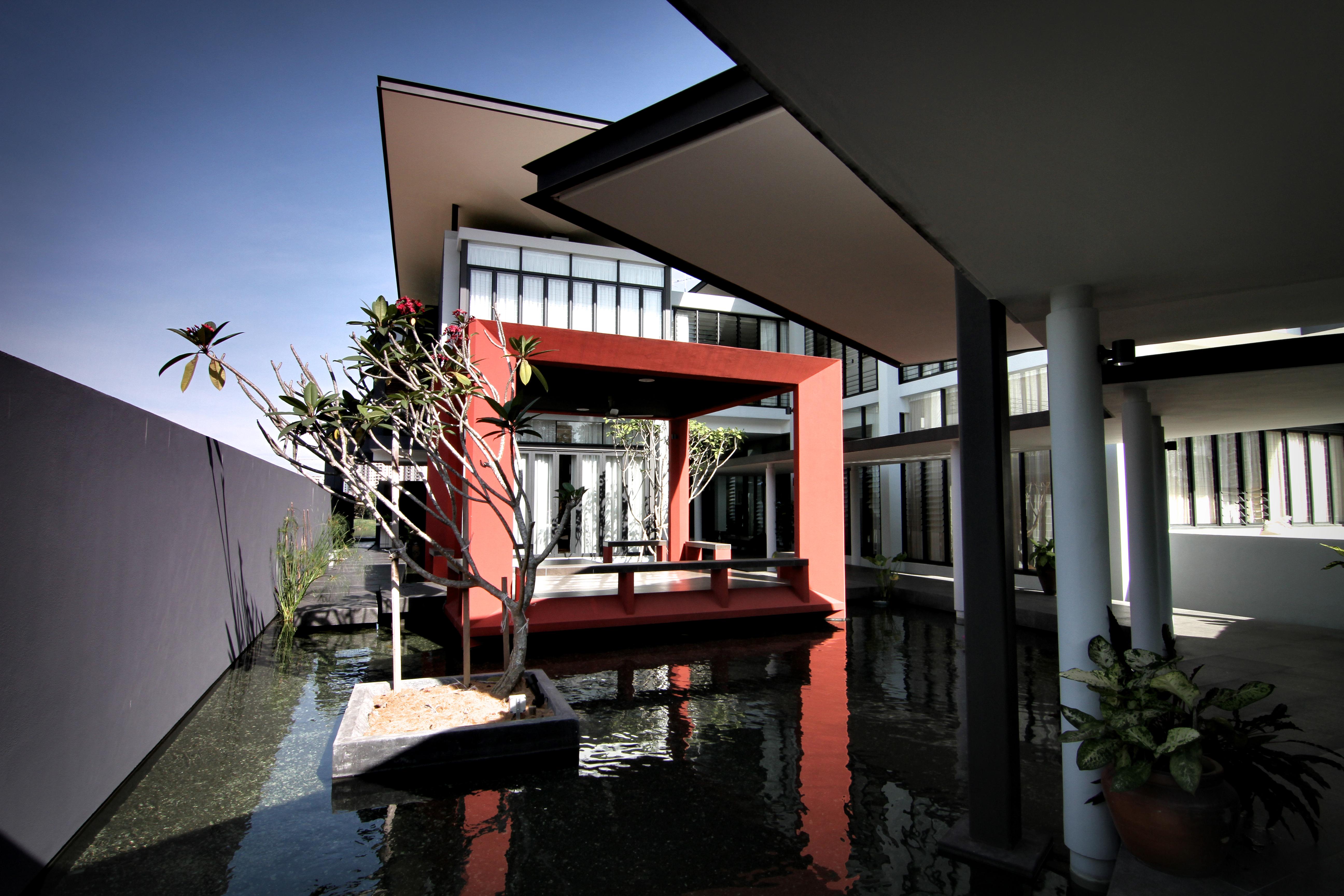 57-villa raja-water garden