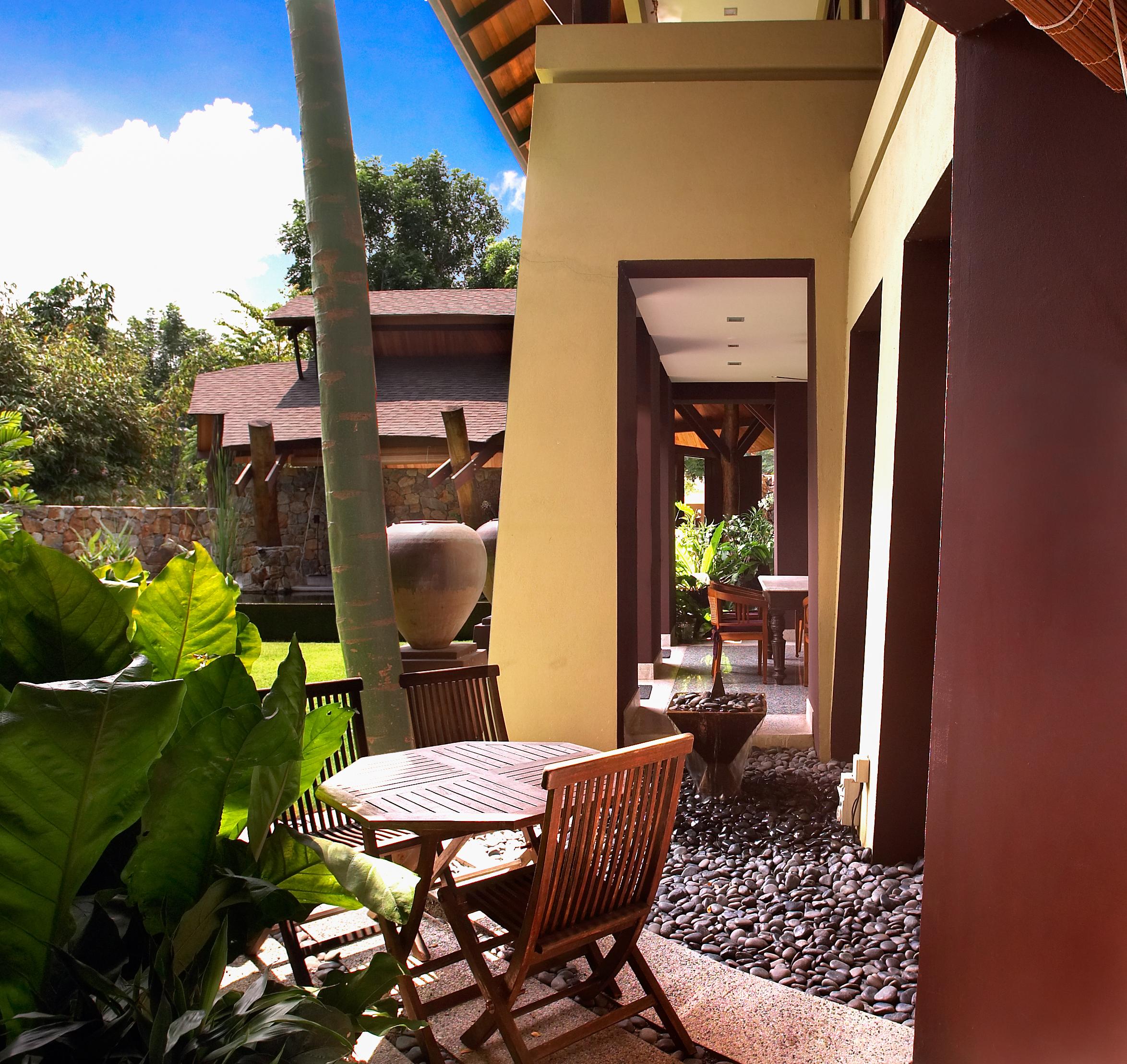 33-Penta-Dos-Courtyard