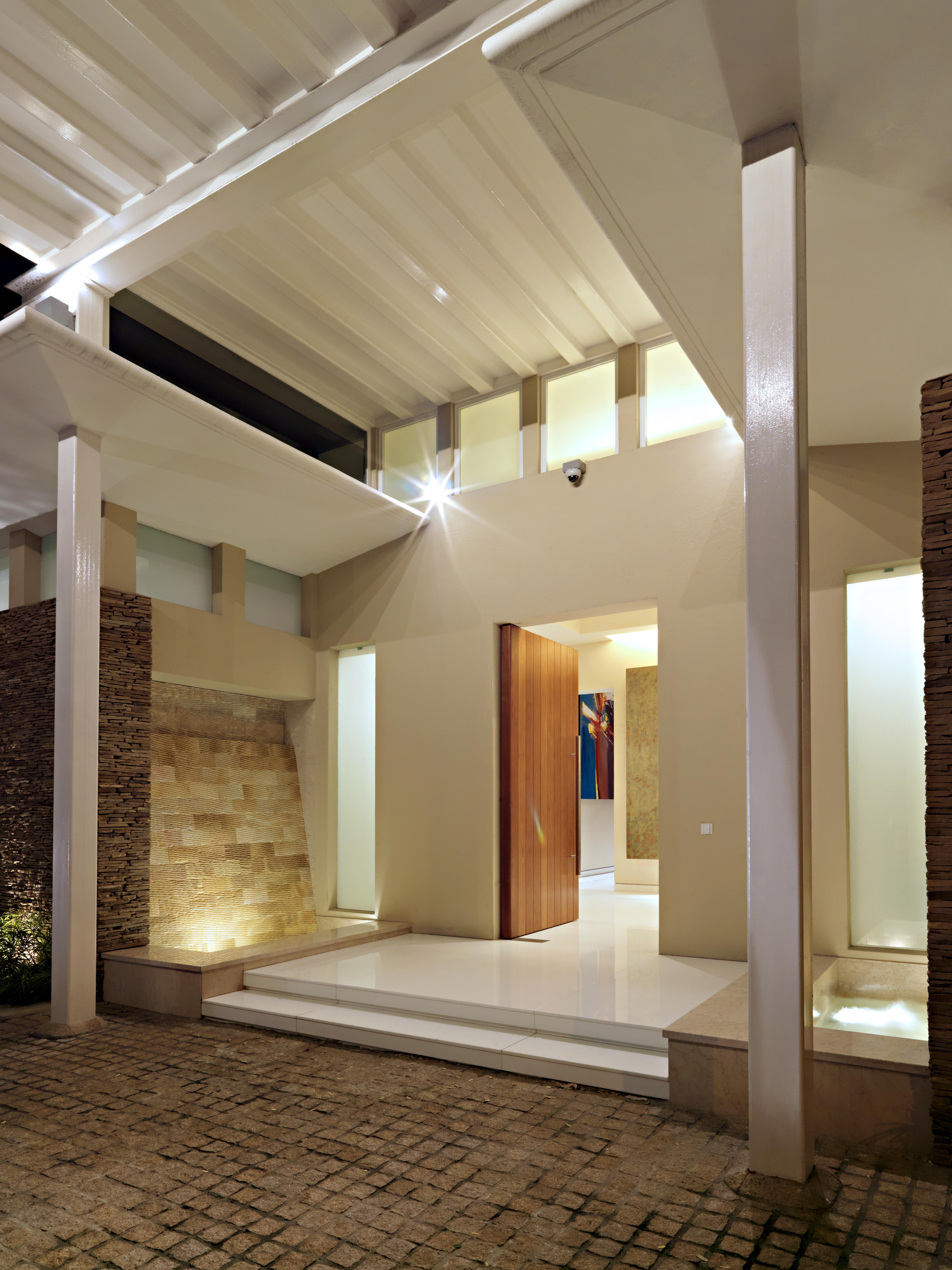 39a-villa tengku-entry water feature