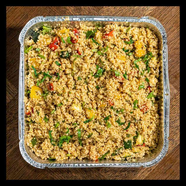 Quinoa, courgette, pepper, tomato dressing
