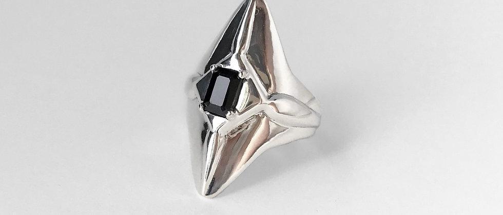 Black spinel kite ring (Silver)