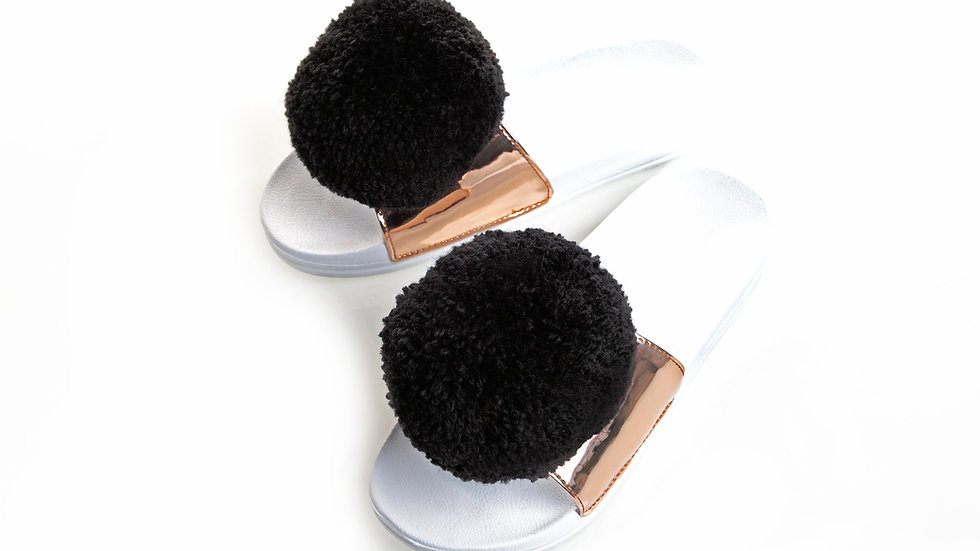Black pom pom slider