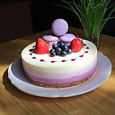Blueberry Cheesecake w Macarons  & Fruits