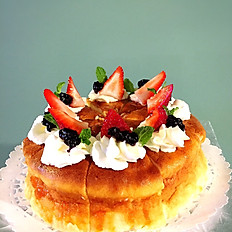 Japanese Souffle Cheesecake w Strawberries & Fruit Comport