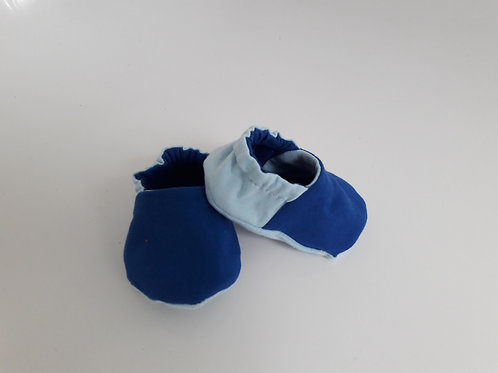 Blue baby slippers/booties
