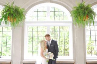 Laurel Hall Indianapolis Indiana Wedding Photographer
