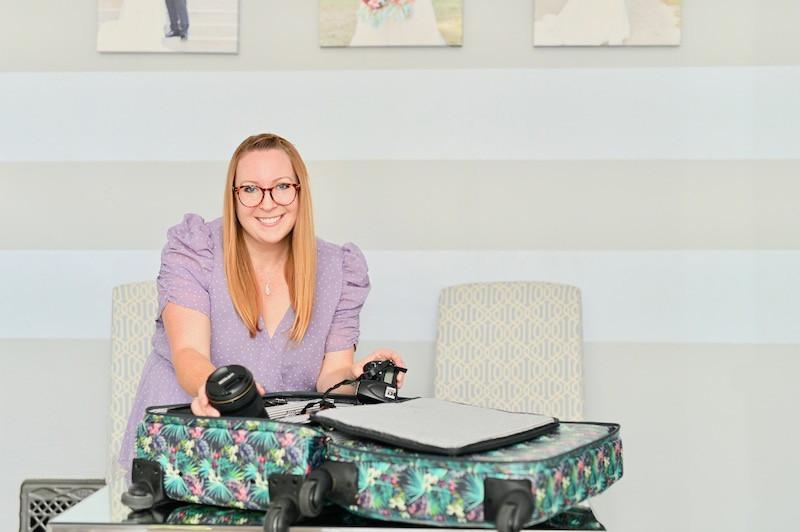 What's in Jasmine Norris' Camera Bag Indiana Wedding Photographer