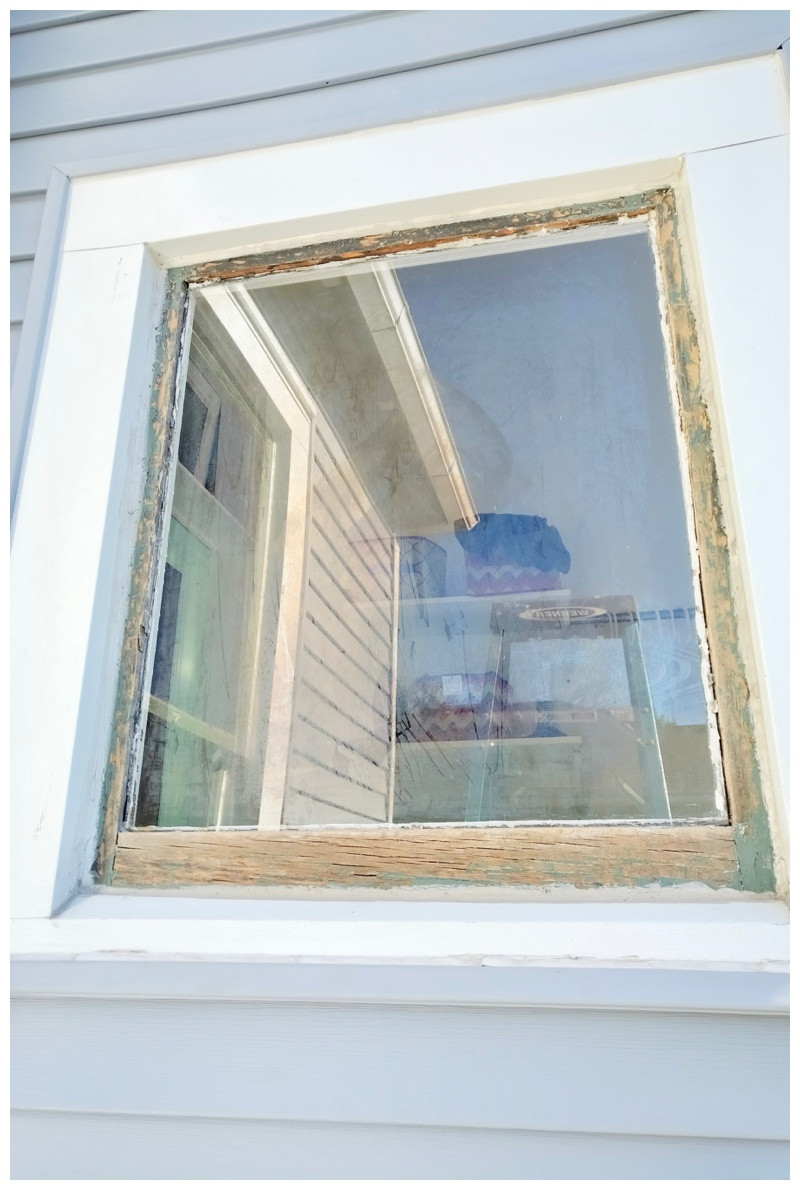 Painting and Glazing 100 Year Old Victorian House Windows