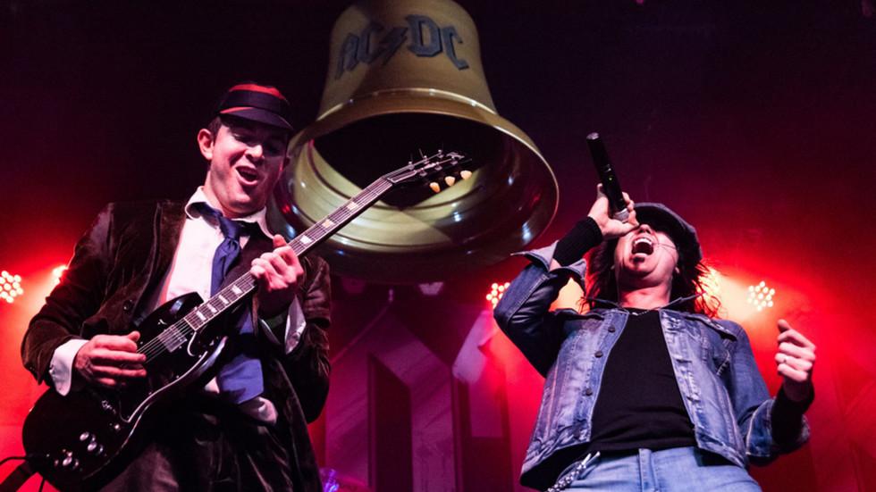 Thunderstruck:America's AC/DC