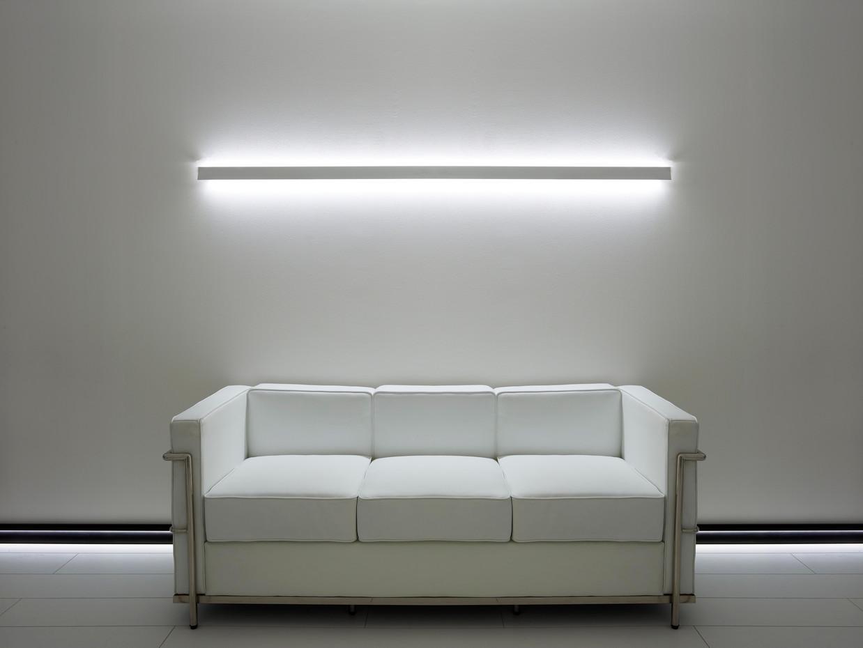 eco divano stand.jpg