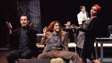 """""""O Rinoceronte"""", com direção de Hugo Rodas, apresenta discussão sobre a cultura do ódio"""