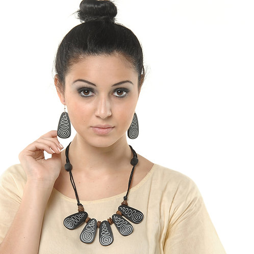 HAUTE SPROUT - WOODEN NECKLACE SET - JNS15